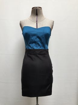 Vestido strapless Forever 21 pecho turquesa, corte debajo del busto y falda negra, cierre lateral  Talla L foto 1
